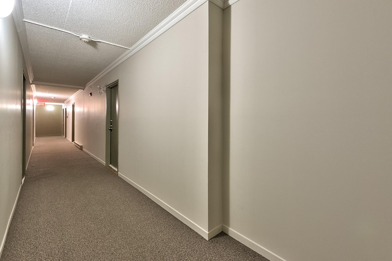 04_corridor_2417Mont